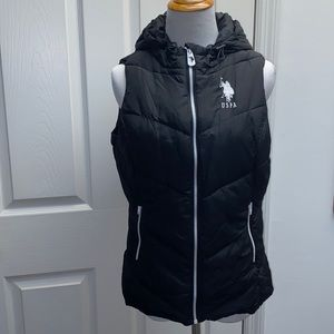 Women's US Polo Assn black puffer vest size medium
